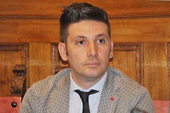 Jacopo Apa: la realtà istituzionale e la