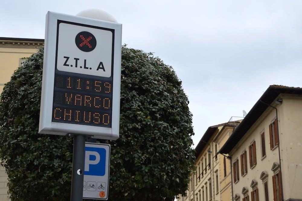 Nuovi varchi elettronici per la ZTL di Arezzo