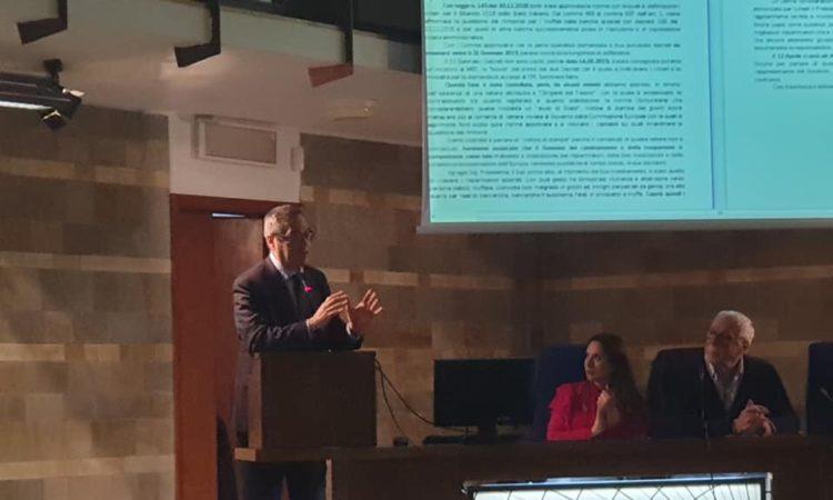 Il nostro deputato Maurizio D'Ettore all'Assemblea di Federconsumatori ad Arezzo sul tema del rimborso ai risparmiatori danneggiati dal decreto salvabanche