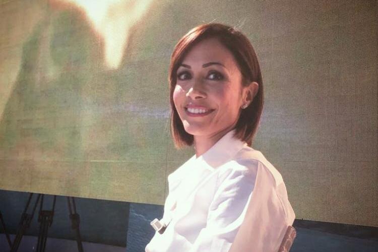 Mara Carfagna spiega a La7 come farebbe il ministro dell'Interno