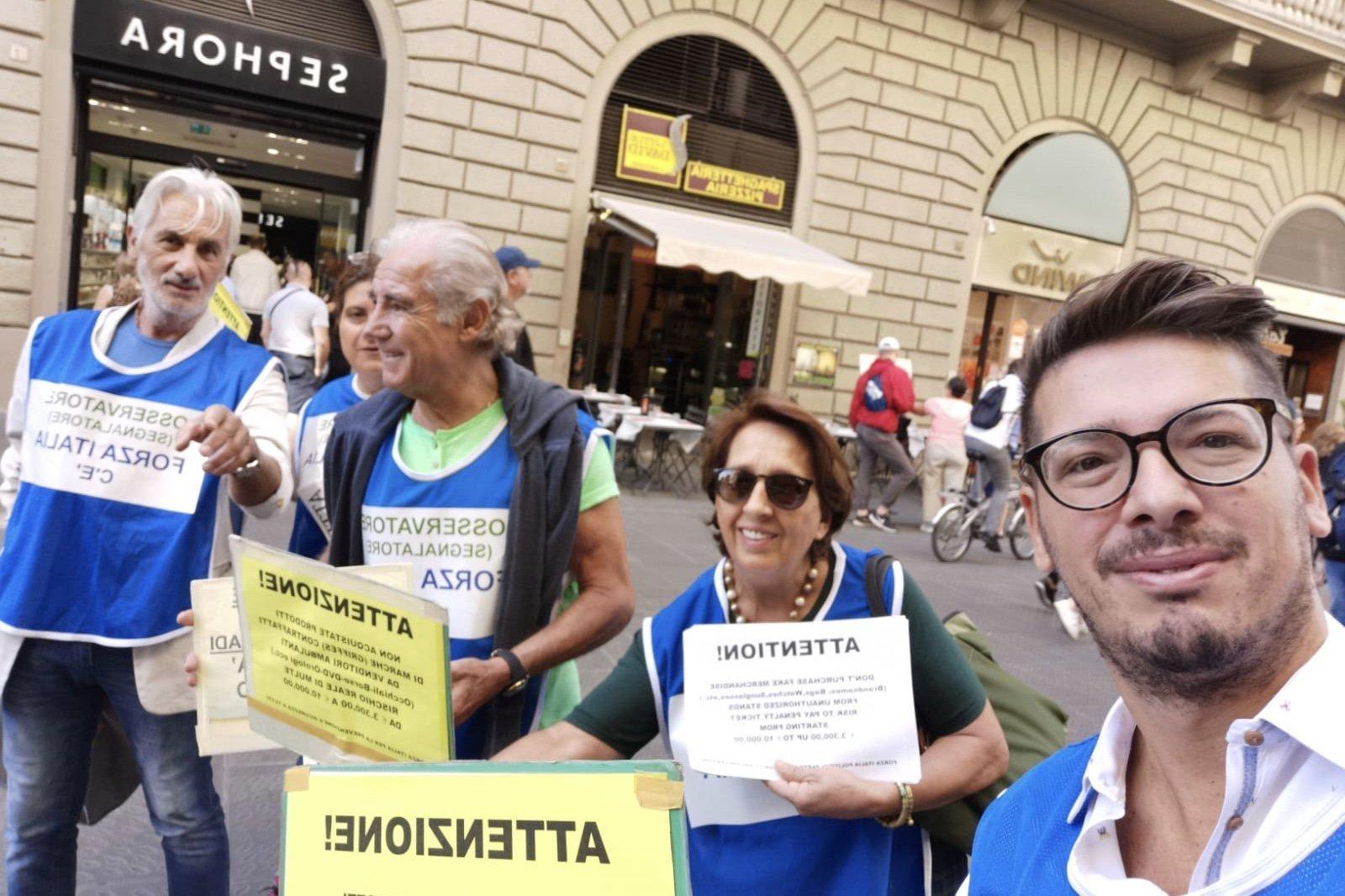Passeggiata a Firenze contro il degrado