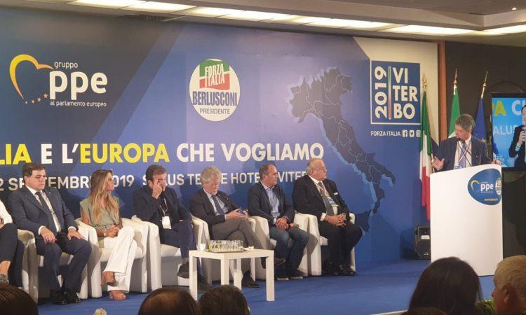 Ieri il Sindaco Ghinelli, la Presidente della Provincia Di Arezzo e Sindaco di Montevarchi Silvia Chiassai Martini, gli Onorevoli Maurizio d