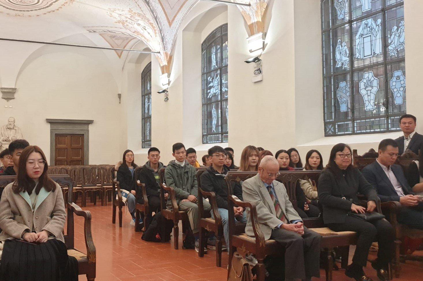 Bonsangue: presentazione corsi Uni Pisa a rappresentanza studenti cinesi