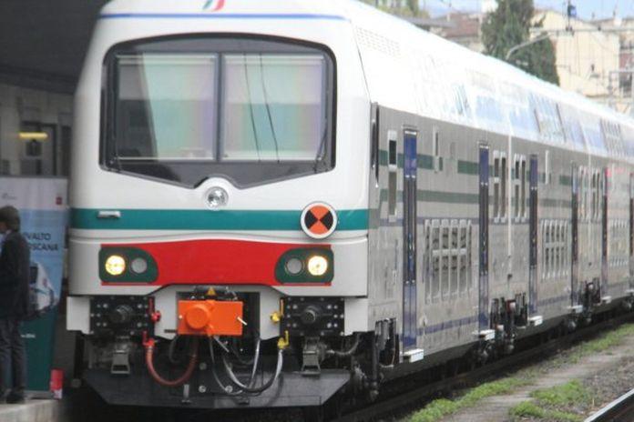 Pendolari: passeggeri prigionieri al caldo in un treno rotto