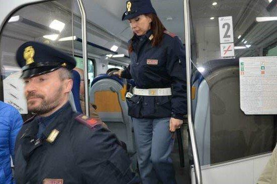 polizia locale sui treni