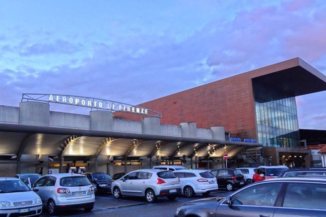 Firenze, l'aeroporto stanga i taxi. Stella