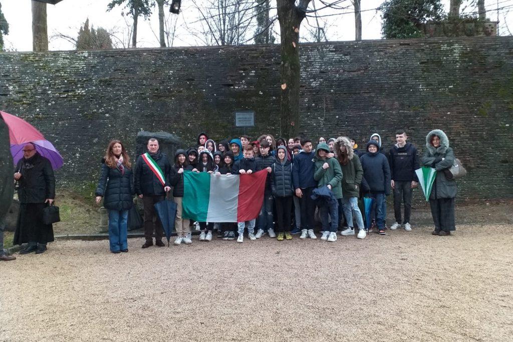 Giannelli, Giorno del ricordo: l'esempio di Scarperia San Piero