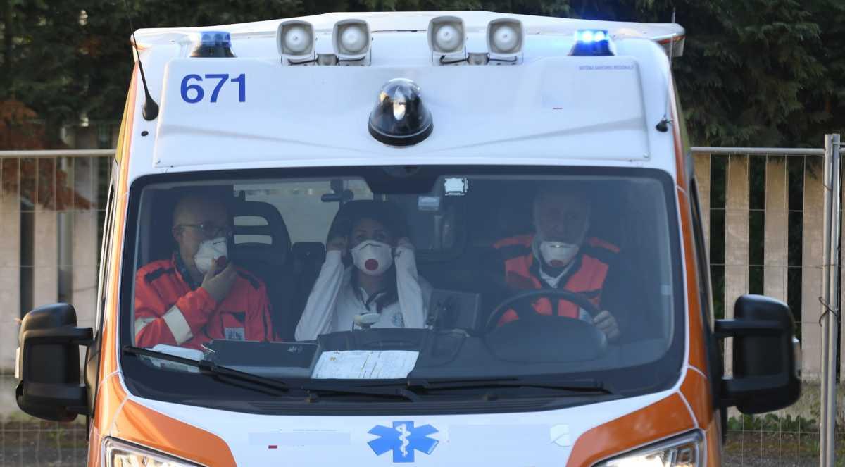 Siena: folle togliere mascherine Ffp3 a 118 e Pronto Soccorso