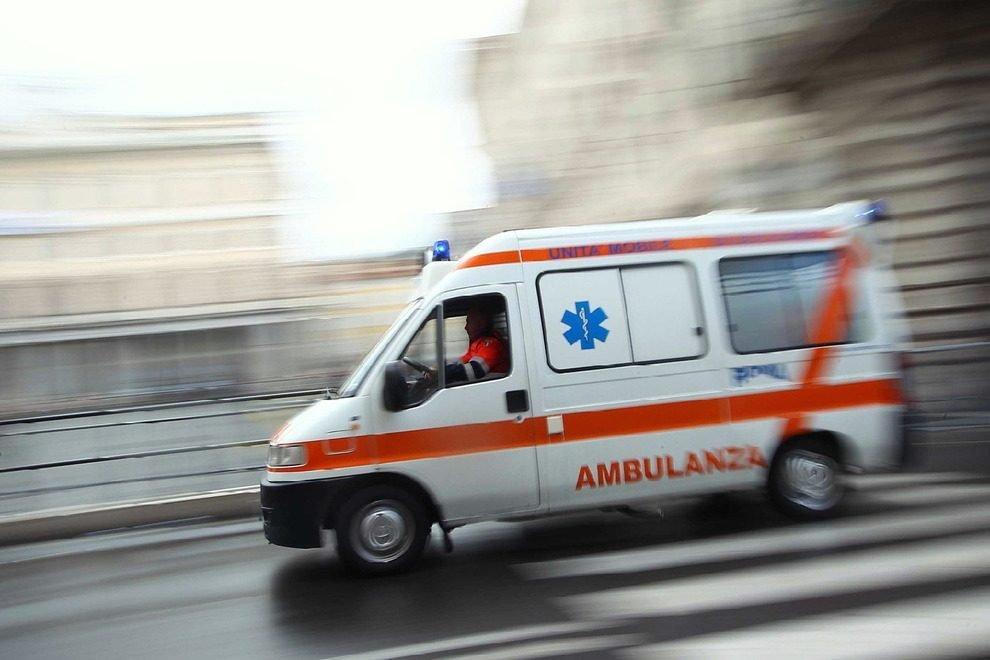 Rifiutato dall'ospedale di Pontremoli, muore in ambulanza