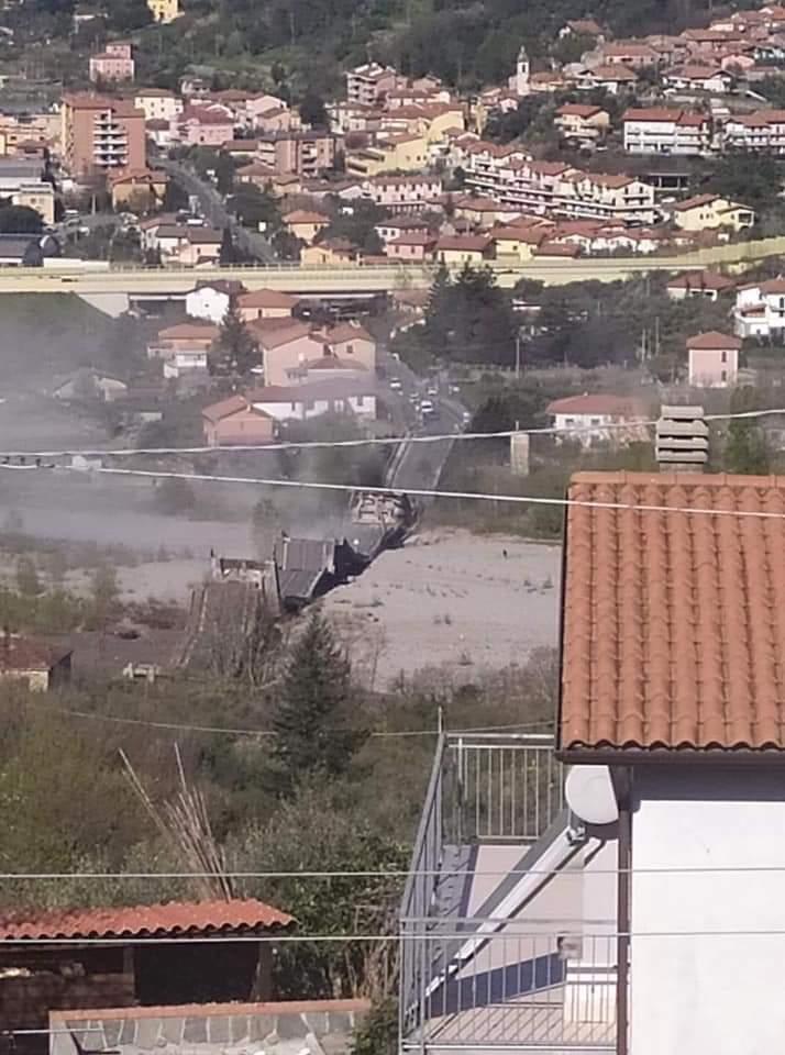 Crollo ponte Lunigiana, si è rischiata la tragedia 20