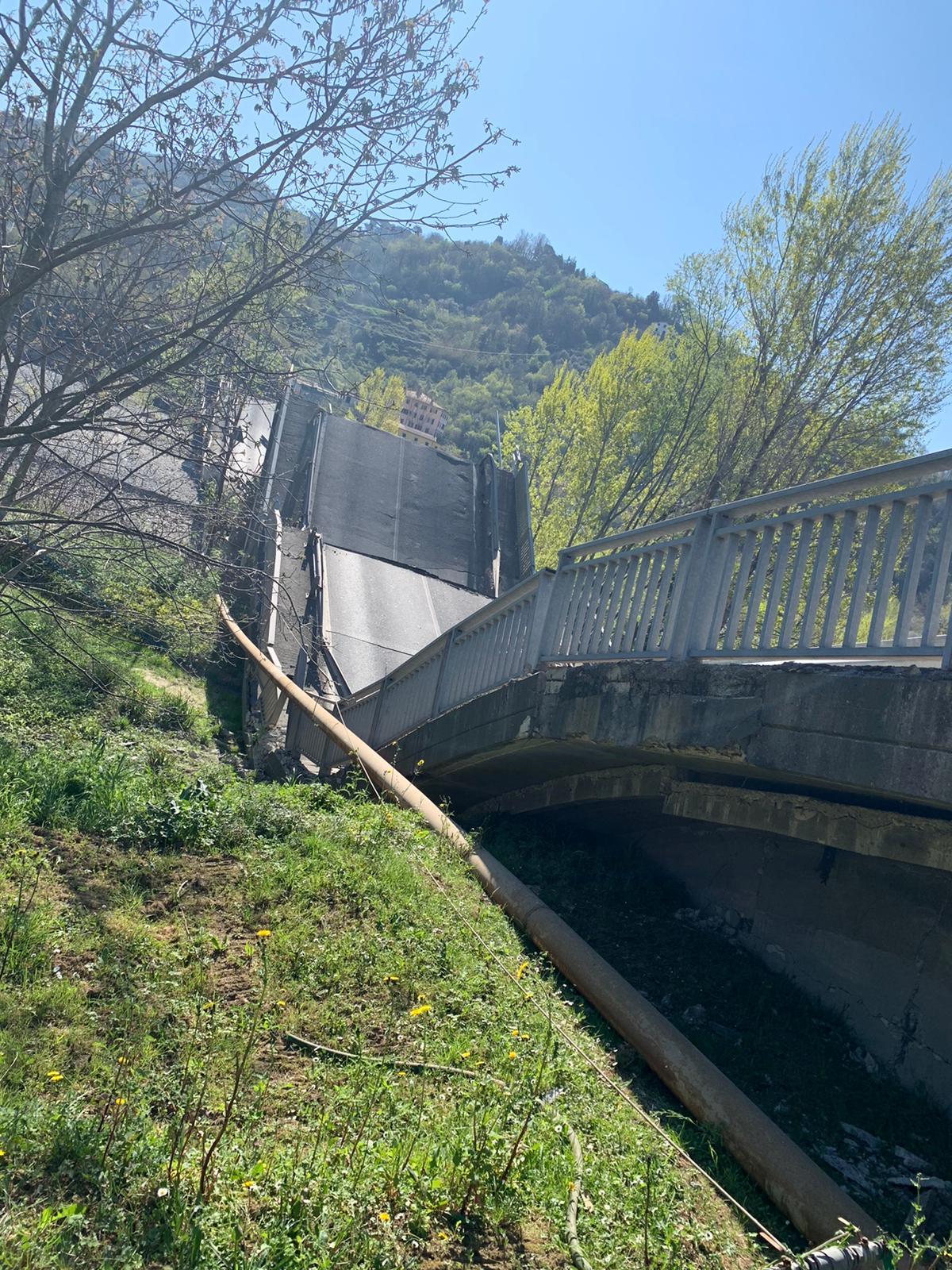 Crollo ponte Lunigiana, si è rischiata la tragedia 19