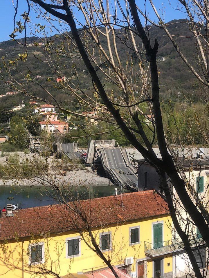 Crollo ponte Lunigiana, si è rischiata la tragedia 18