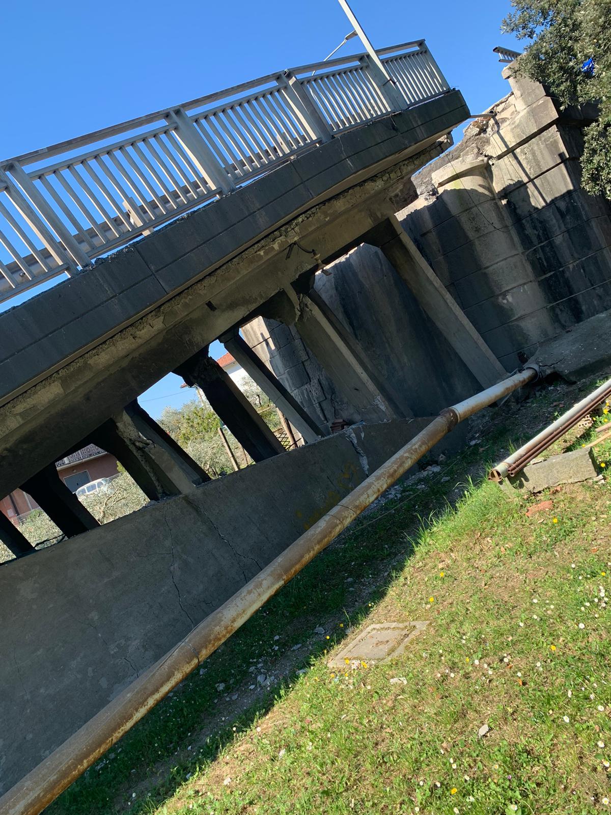 Crollo ponte Lunigiana, si è rischiata la tragedia 16
