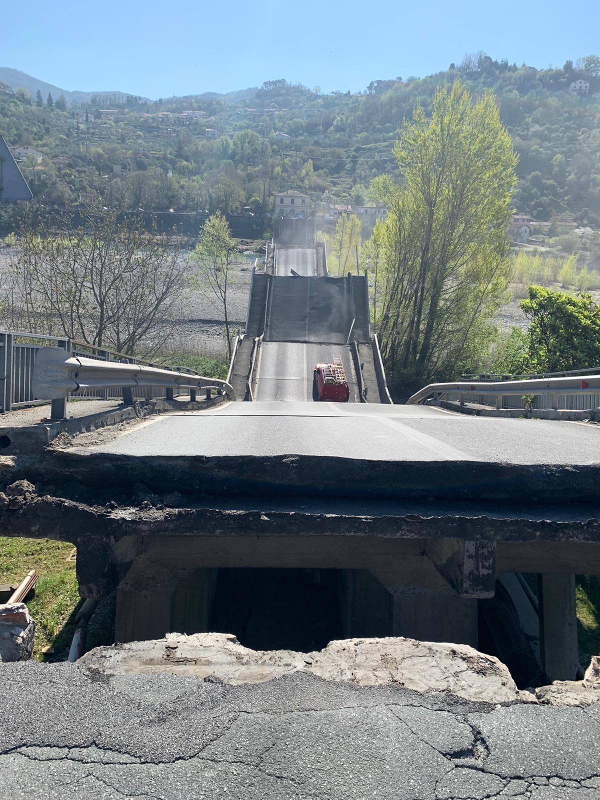 Crollo ponte Lunigiana, si è rischiata la tragedia 15