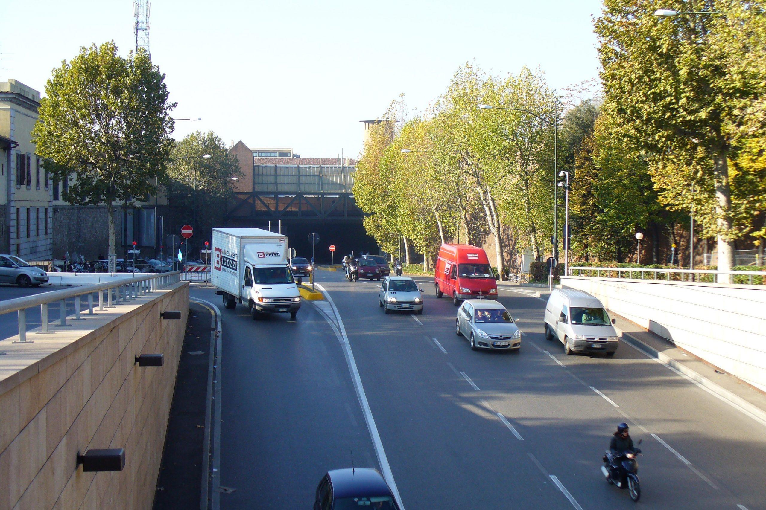 Firenze, fase 2: aprire alle auto, basta pseudo ecologismo