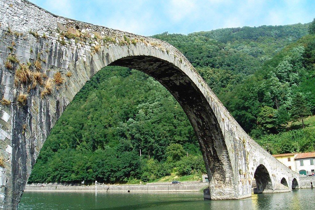 Ponte sul Serchio