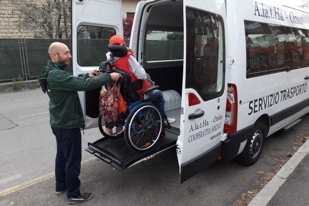 Disabili: Governo garantisca servizio trasporto delle Onlus