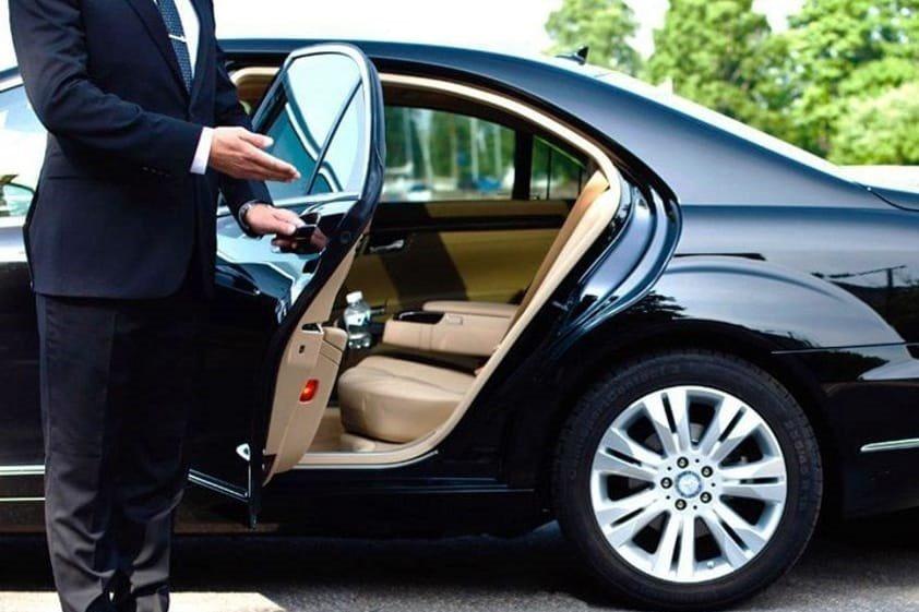 Ncc in crisi, fondo perduto e stop bollo auto