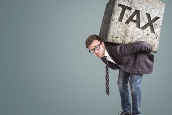 Pressione fiscale: Italia prima in Europa, serve la flat tax