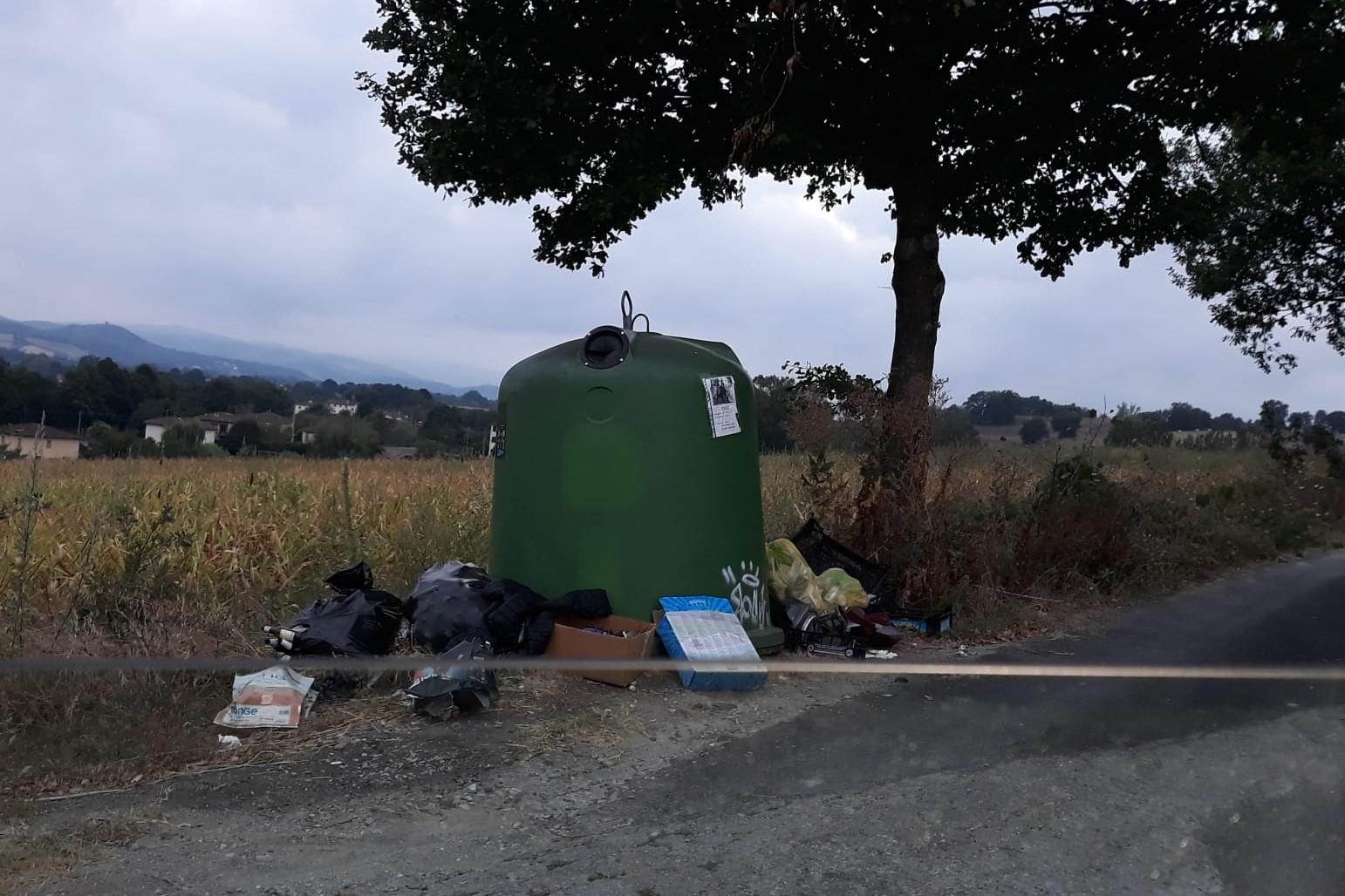 Vicchio, Pesciola: segnalata micro discarica abusiva