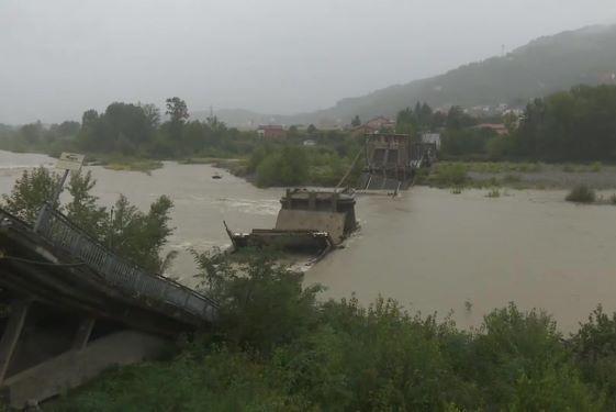 Maltempo ponte Albiano Magra