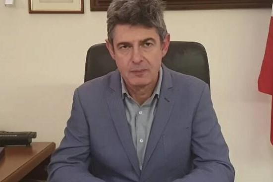 Carrara: 2000 euro al mese per profilo Facebook del sindaco