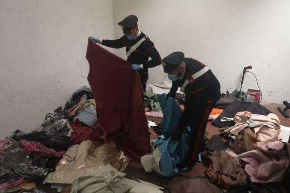 Firenze: Merce rubata recuperata in insediamento Rom
