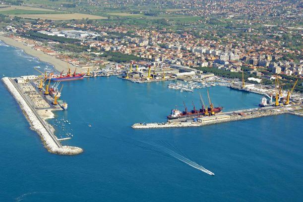 Marina di Carrara: stop all'ampliamento del porto
