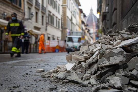 crollo cornicione Firenze