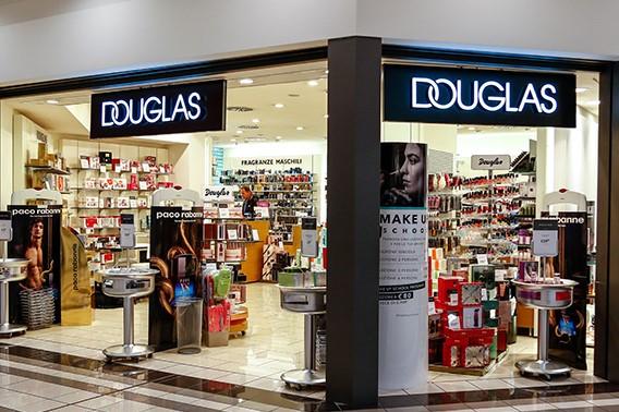 Chiusure Profumerie Douglas, presentata interrogazione