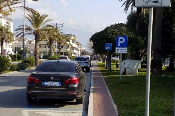 Marina di Massa parcheggio
