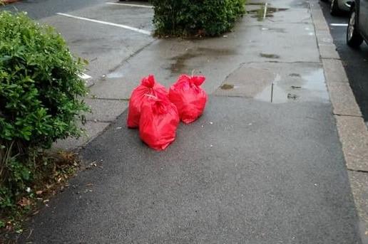 Firenze: Alia intensifichi raccolta spazzatura rossa Covid