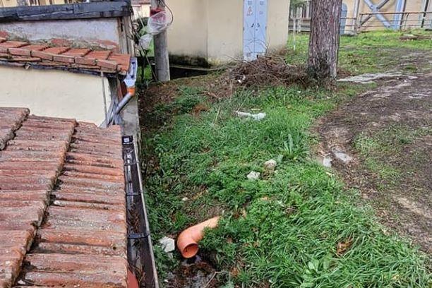 Dicomano: Scarichi plesso scolastico, cittadini danneggiati