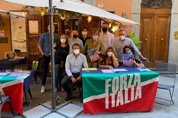 Prato: raccolta firme sulla riforma del fisco di Forza Italia