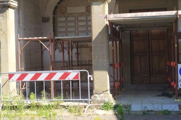 Vaglia: resta inagibile e transennata la Chiesa